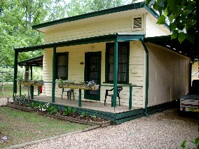 Pioneer Garden Cottages - Kingaroy Accommodation