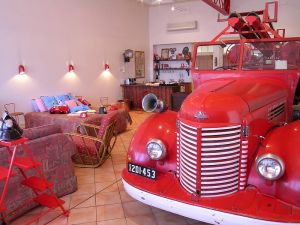 The Fire Station Inn - Fire Engine Suite - Kingaroy Accommodation