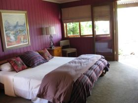 French Cottage and Loft - Kingaroy Accommodation