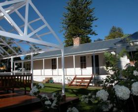 The Cottage - Berry - Kingaroy Accommodation