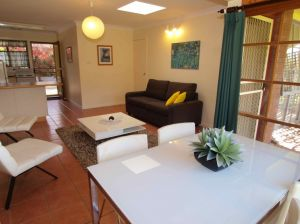 Bright Highland Valley Cottages - Kingaroy Accommodation
