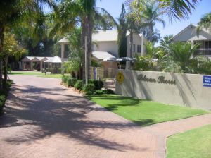 Pelican Shore Villas - Kingaroy Accommodation