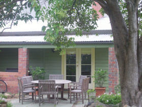 Bell Cottage - Kingaroy Accommodation