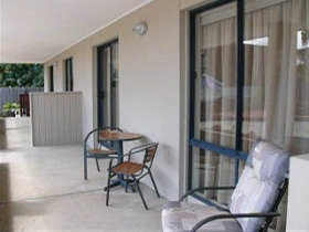 Dromana Beach Getaway - Kingaroy Accommodation