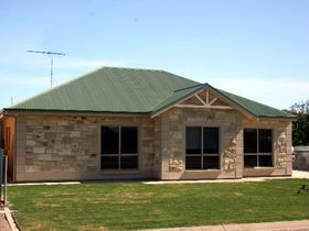 Juno Court Holiday Retreat - Kingaroy Accommodation