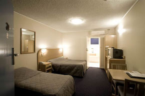 Dorset Gardens Hotel - Kingaroy Accommodation