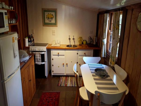 Cameron's Cottage - Kingaroy Accommodation