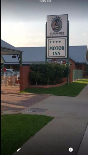 Federation Motor Inn Young - Kingaroy Accommodation