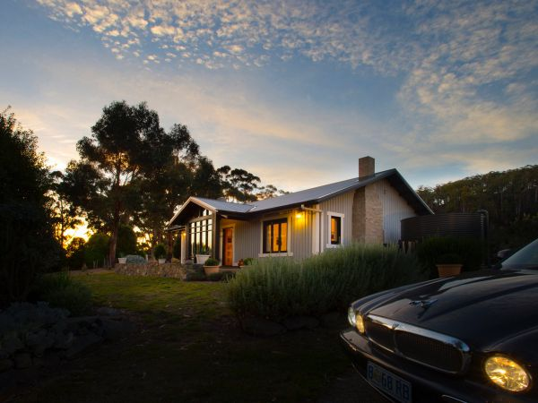 Frenchman's River - The Writer's House - Kingaroy Accommodation