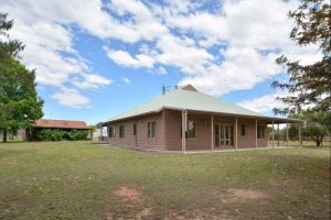 Grasmere Estate Homestead - Kingaroy Accommodation