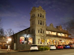 Yarra Valley Grand Hotel - Kingaroy Accommodation
