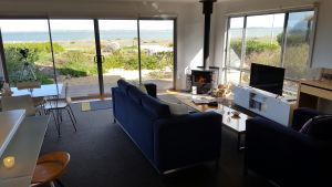 Coorong Waterfront Retreat - Kingaroy Accommodation