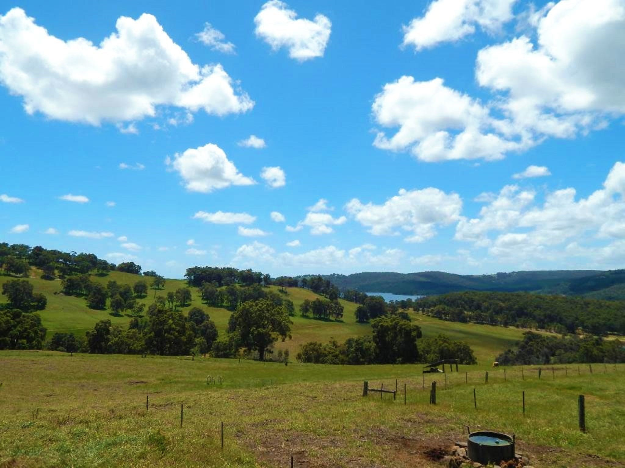 Harvey Hills Farm Stay Chalets - Kingaroy Accommodation