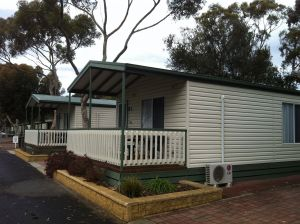 Lake Albert Caravan Park Meningie SA - Kingaroy Accommodation