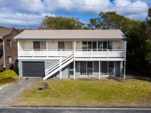 Seaview Getaway  Dunbogan - Kingaroy Accommodation