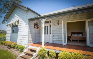 Wine Country Cottage - Kingaroy Accommodation