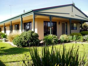 Bells By The Beach Holiday House - Kingaroy Accommodation