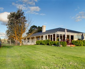Coombe Yarra Valley - Kingaroy Accommodation