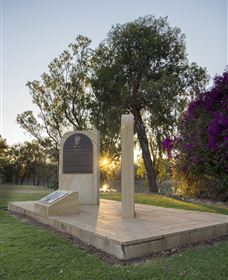 St George Pilots Memorial - Kingaroy Accommodation