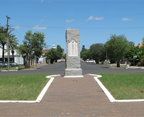 War Memorial and Heroes Avenue Roma - Kingaroy Accommodation