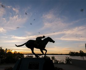 Black Caviar Statue - Kingaroy Accommodation