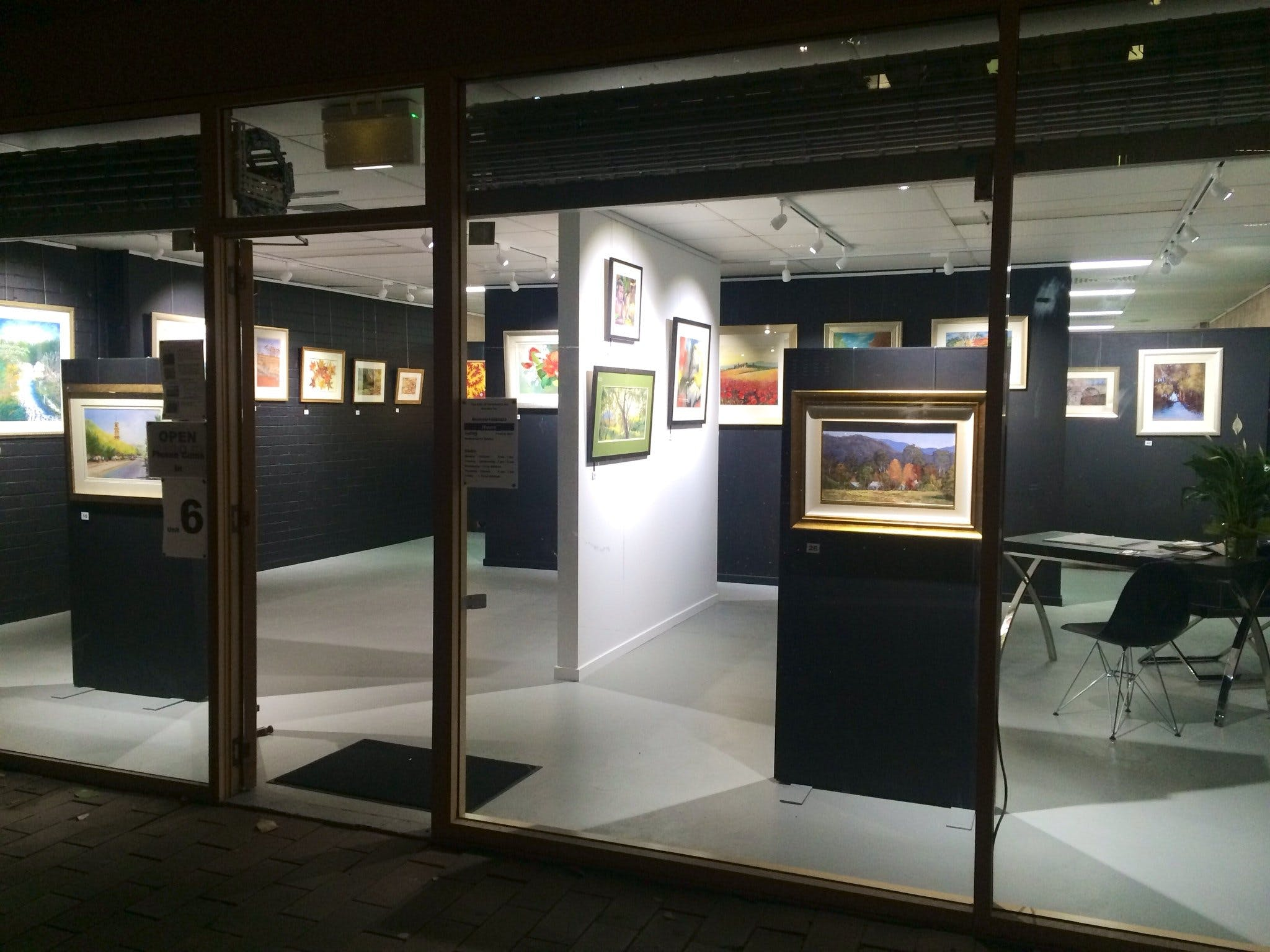 The Hunter Street Gallery of Fine Arts - Kingaroy Accommodation