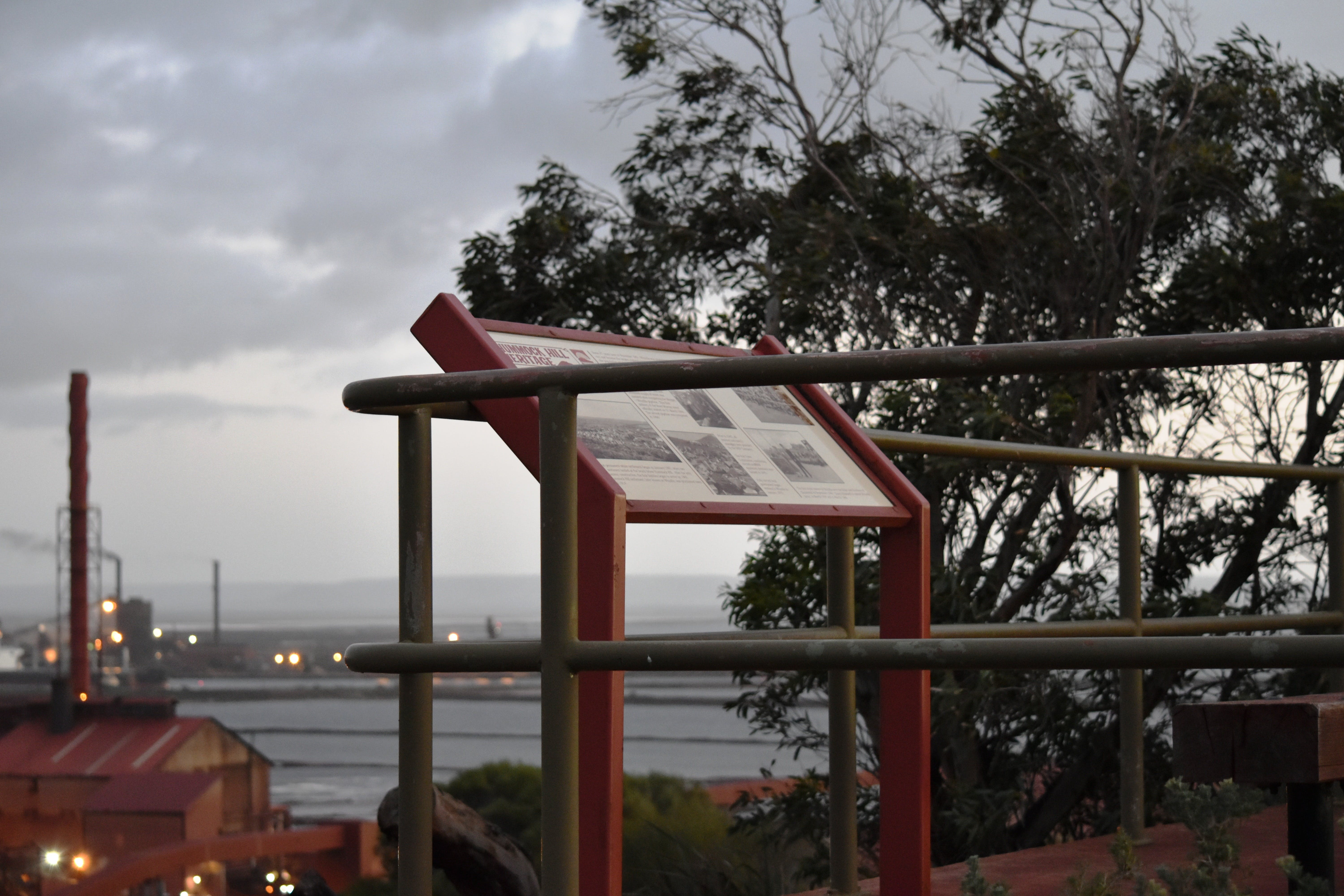 Hummock Hill Lookout - Kingaroy Accommodation