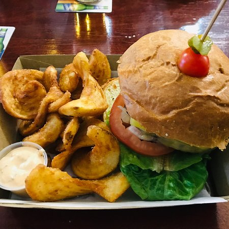 Brent's Burgers - Kingaroy Accommodation
