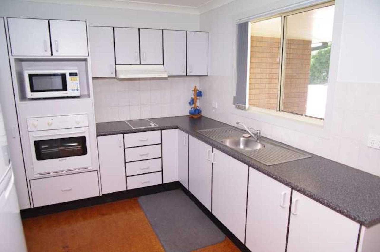 Bellhaven 1 17 Willow Street - Kingaroy Accommodation