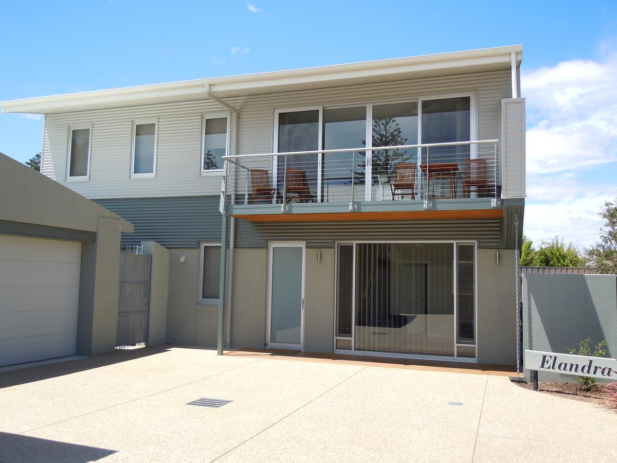 Elandra Holiday Home - Kingaroy Accommodation