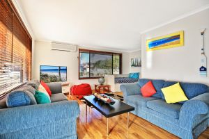 Sandy Toes Beach House Jervis Bay - 2min to Beach - Kingaroy Accommodation