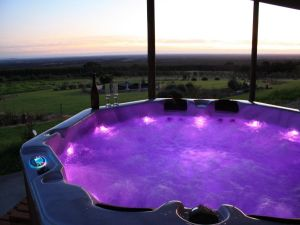 Tanen Farm - Kingaroy Accommodation
