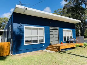 Abode Callala Beach Jervis Bay - 100m to Beach - Kingaroy Accommodation