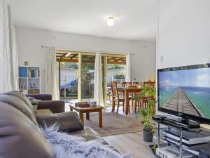 Beach Escape  Currarong - basic family accommodation - Kingaroy Accommodation